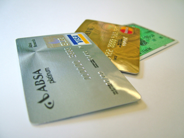 credit-card-gold-platinum-1512617-640x480